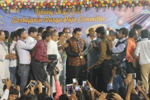 2nd copy of The Education Charter was presented to Cine-star Govinda by Managing Editor Vinod Singh at Durga Puja Inauguration Ceremony on 6th Oct 2016 (Kolkata)
